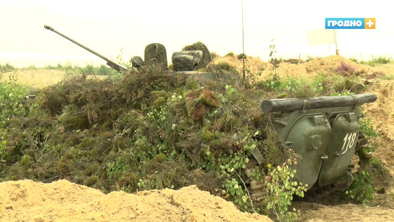 На полигоне прошли ротно-тактические учения одного из подразделений крупнейшей в Гродно механизированной бригады