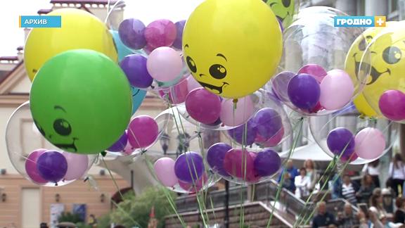 Почему салют на праздник города перенесли в Коложский парк?