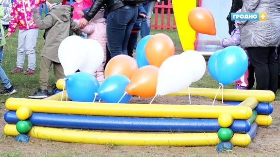 «Белтелеком» установил в Гродно детский игровой комплекс