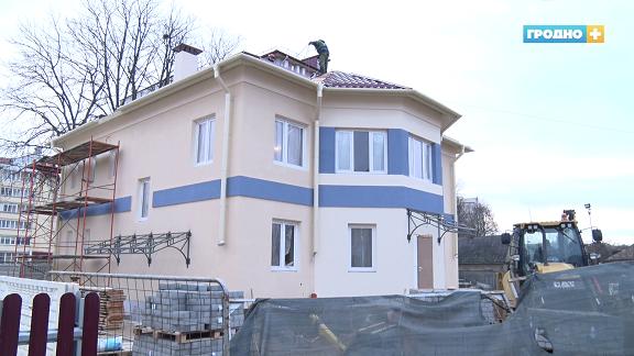 Четвертый дом семейного типа строится по улице Волковича