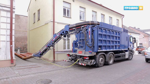 Вакуумный экскаватор уже работает на улицах Гродно. Чем удивляет и насколько надежна техника нового поколения?