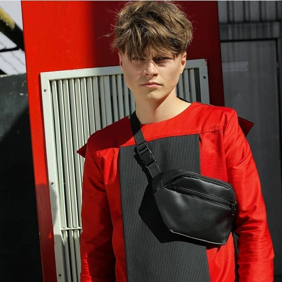 У моды мужское лицо