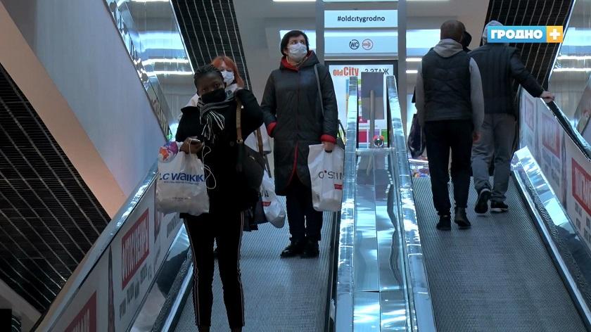 За выходные дни практически все жители Гродно надели маски