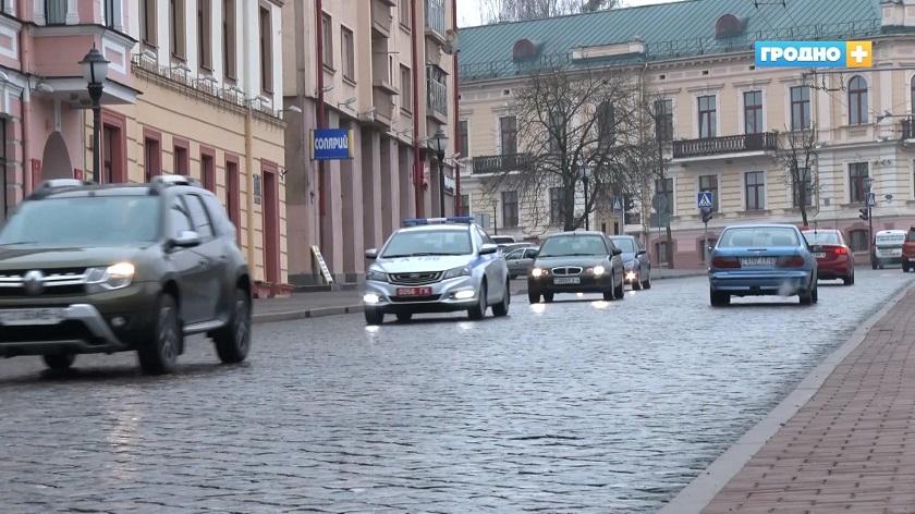 По статистике 52% аварий происходит на пешеходных переходах